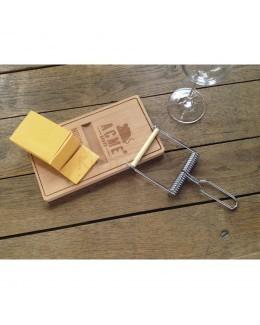 Deska do sera z nożykiem w formie pułapki na myszy - FRED